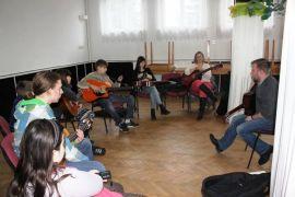 b_270_0_16777215_00_images_kuznia_talentow_muzyka_gitara2.jpg